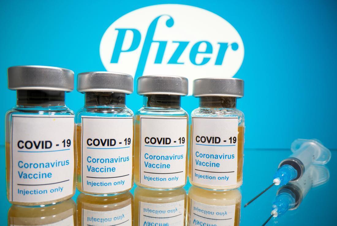 Testes clínicos da vacina do laboratório americano Pfizer trouxeram esperança, embora levantando muitas interrogações.