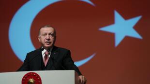 O  Presidente   Recep Tayyip Erdogan durante um discurso na Academia Militar Turca  em Ancara.24 de Janeiro de 2019.