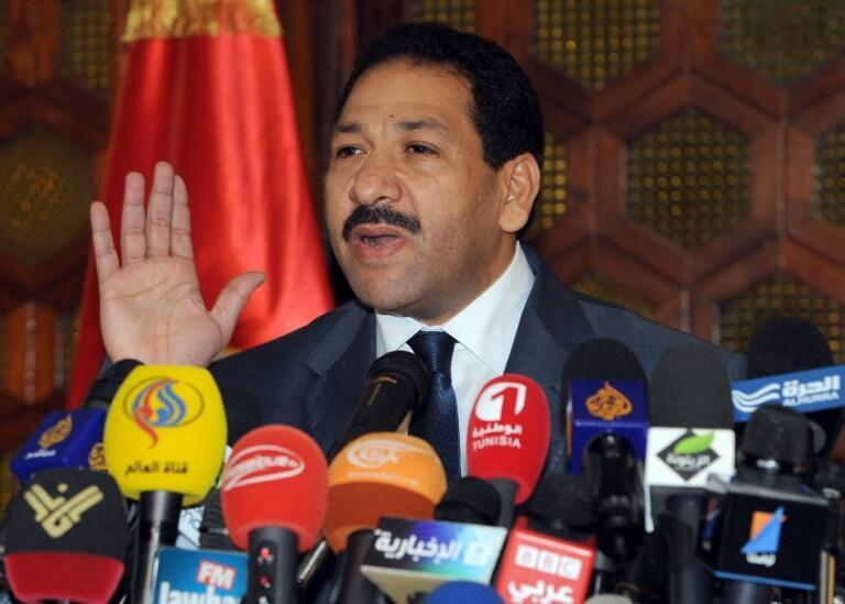Lotfi Ben Jeddou, ministre de l'Intérieur, lors d'une conférence de presse à Tunis, le 26 juillet 2013.