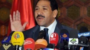 Lotfi Ben Jeddou, ministre de l'Intérieur, lors d'une conférence de presse à Tunis, le 26 juillet 2013