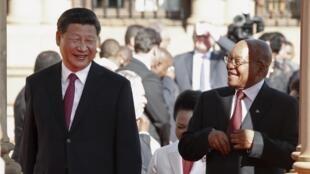 南非总统祖玛迎接中国国家主席习近平