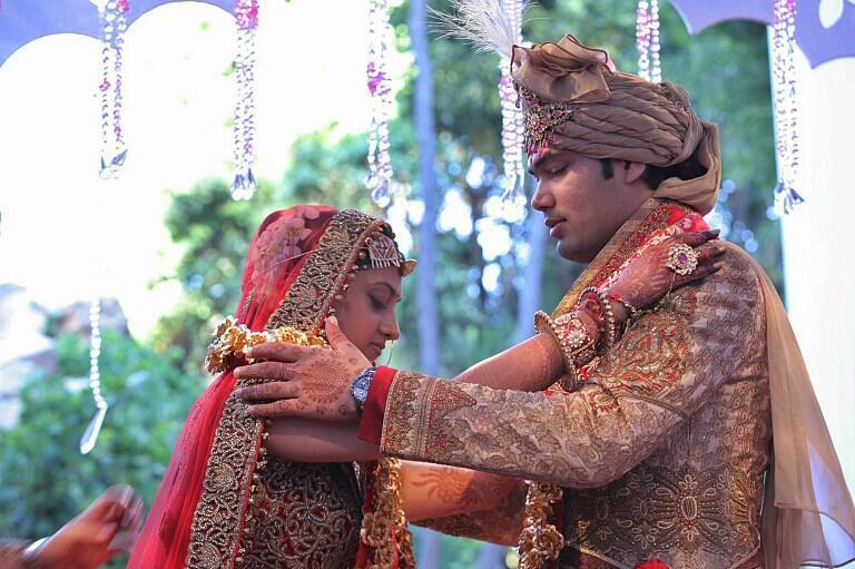 Les mariés Vela Gupta et Aaskash Jahajgarhia, le 1er mai à Sun City.