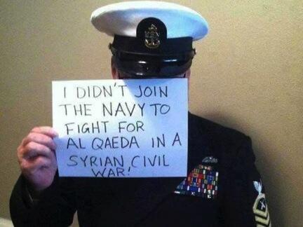 Plusieurs photos de personnes se présentant comme des soldats opposés à la guerre circulent sur les réseaux sociaux.