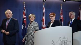 Ngoại trưởng và bộ trưởng Quốc Phòng Anh và Úc trong cuộc họp báo tại Sydney, Úc ngày 27/07/2017