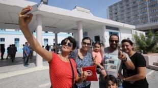 突尼斯举行总统选举投票。
