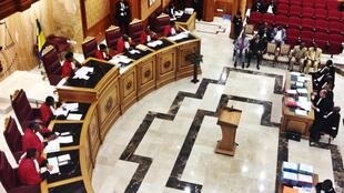 La Cour constitutionnelle a exigé, ce lundi 30 avril, la démission du Premier ministre et de son gouvernement, ainsi que la fin des pouvoirs de l'Assemblée nationale.