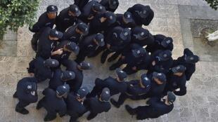 Policiers algériens déployés dans les rues d'Alger, le 15 mars 2019. (Image d'illustration)