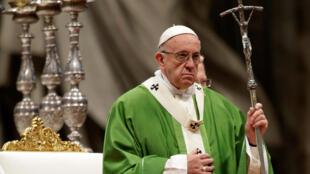 Homilia do Papa Francisco, em Roma, exortando as pessoas a lutar contra a indiferença aos excluídos