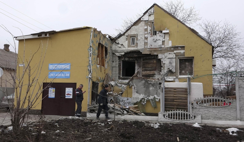 Une maison dévastée par les bombardements, à Marioupol, le 26 janvier 2015.
