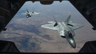 Американские истребители F-22 Raptor над Сирией, февраль 2018 г.