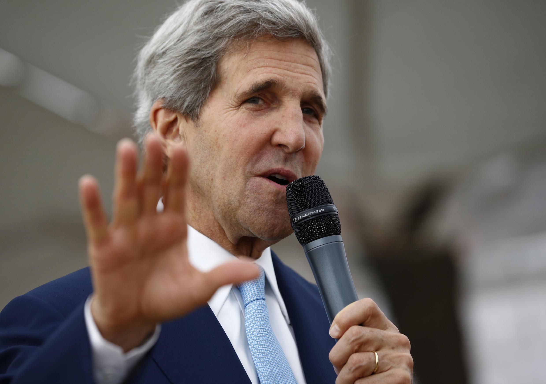John Kerry, secrétaire d'Etat américain, à l'ambassade des Etats-Unis à Slamabad, le jeudi 1er août. Il a jugé que la destitution de Morsi par l'armée égyptienne avait permis de « rétablir la démocratie ».