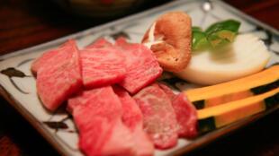 De la viande de bœuf de Kobe. A l'exportation, 100 grammes de viande se vend 100 euros.
