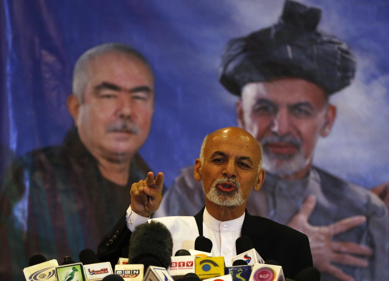 Ashraf Ghani Ahmadzai, lMgombea kiti cha Urais katika duru ya pili  nchini Afghanistan Juni 41 répondu aux journalistes lors d'une conférence de presse le 27 avril dernier à Kaboul.