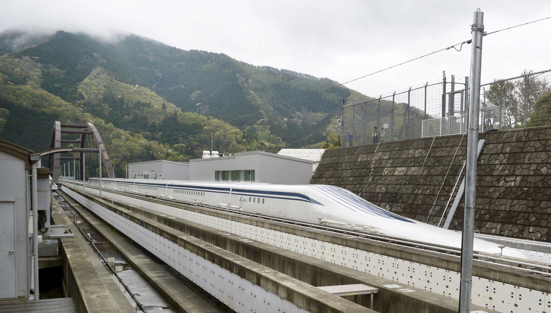 Protótipo do futuro trem japonês de levitação eletromagnética, que pode chegar a uma velocidade de 603 km/h.
