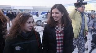 Andrei Tolokonnikov, le père de l'une des deux militantes, s'inquiète de ne voir dans la libération des Pussy Riots qu'un acte de communication politique destiné aux médias.