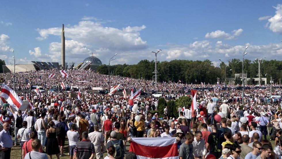 白俄罗斯反对派大游行抗议选举舞弊要求总统下台2020年8月16日明斯克