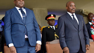 Joseph Kabila na Félix Tshisekedi bega kwa bega wakati wa hafla ya kuapishwa kwa rais mpya wa DRC, huko Kinshase Januari 24, 2019.