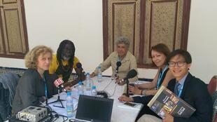 Caroline Lachowsky et ses invités: Tiken Jah Fakoly, Mohamed Tozy, Majida Bargach et Phinith Chantalangsy.