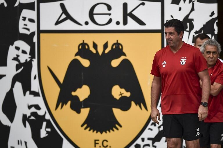 O Benfica, e o seu treinador Rui Vitória (na foto), vai defrontar os gregos do AEK Atenas.
