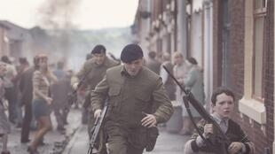 Jack O'Connell and Corey McKinley in Yann Demange's '71