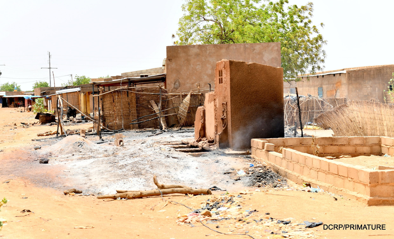 Bâtiments détruits dans le village de Solhan, victime d'une attaque dans la nuit du 4 au 5 juin 2021. Photo prise le 7 juin 2021.