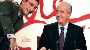 Nicolas Bazire (L),in April 1995 with then French prime minister and presidential candidate Edouard Balladur