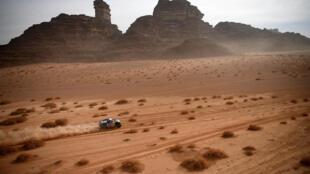 Stéphane Peterhansel et son copilote Edouard Boulanger lors de la 10e étape du Dakar, entre Neom et Al-'Ula, en Arabie saoudite, le 13 janvier 2021