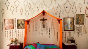 Los íconos de la religión católica forman parte de la estética y la ética de los pobladores de Jericó.