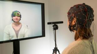 Le dispositif « Mind-Mirror », mis au point par des chercheurs Français