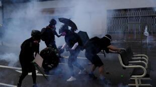 Wasu daga cikin masu zanga-zangar rajin mulkin demokradiya a Hong Kong