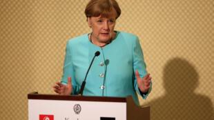 کنفرانس خبری آنگلا مرکل، صدراعظم آلمان در سفرش به تونس. ۱۳ اسفند/ ۳ مارس٢٠۱٧