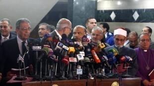 No encontro estavam presentes Mohamed el Baradei, líder da Frente de Salvação Nacional (FSN),  Amr Moussa, um outro líder dessa coligação, e Saad al-Katatni, chefe do Partido da Liberdade e Justiça