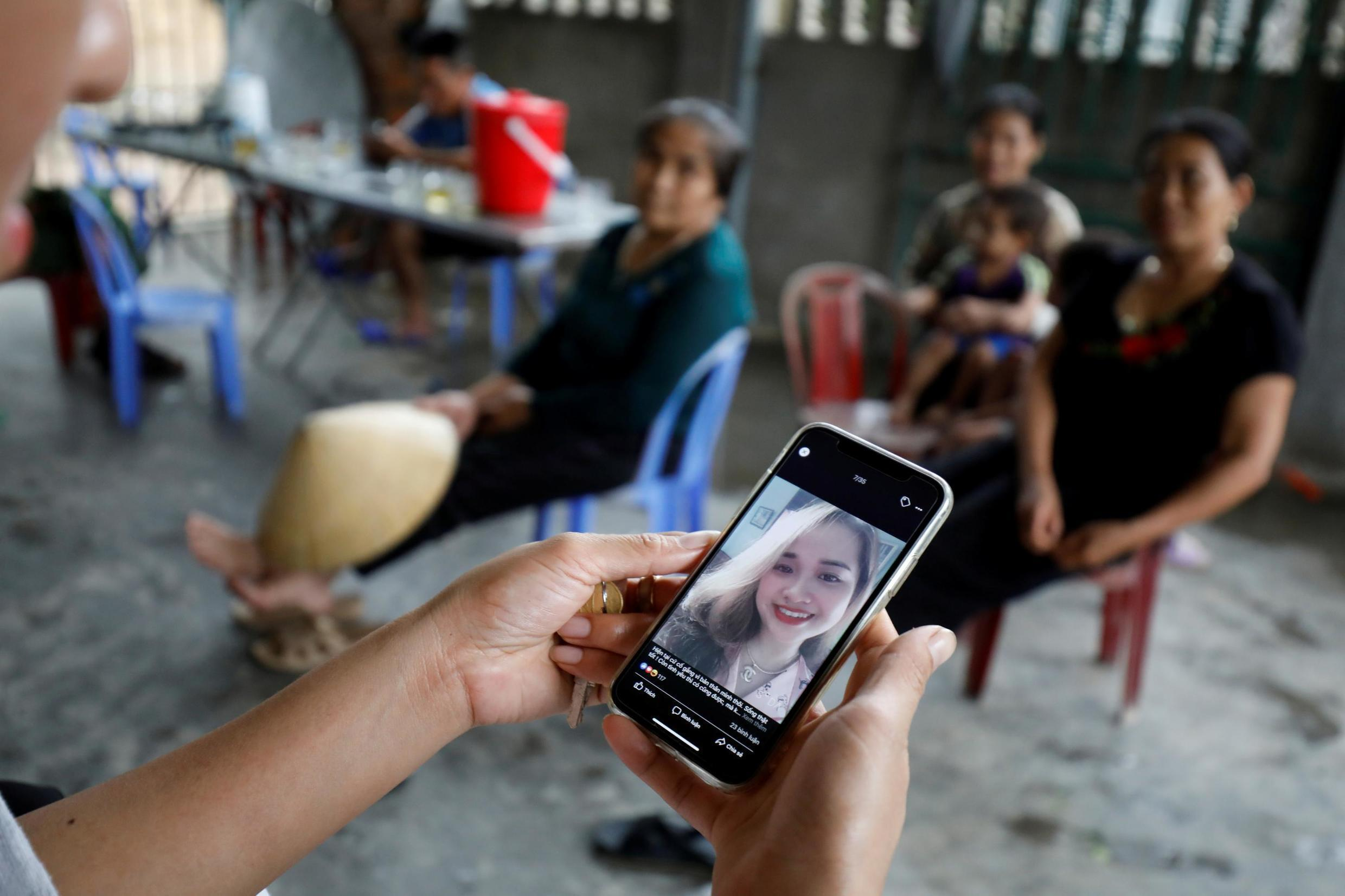 A family from Nghe An province concerned that one of their relatives was among the victims found dead in a truck near London in October 2019.