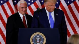 民主党要求彭斯24小时之内宣告特朗普不能履职,但是彭斯周一与特朗普在白宫见面。