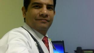 El médico panameño Juan Enoc Rodríguez Lizondro.