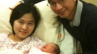 兔年首名婴儿的父母是特意从中国内地来港生育的大陆人。