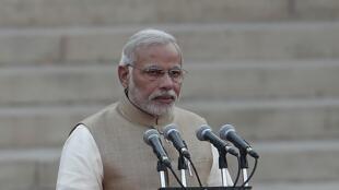 Le Premier ministre indien, Narendra Modi, prête serment au palais présidentiel à New Delhi, le 26 mai 2014.
