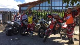 Motociclistas ajudaram as vítimas do terremoto