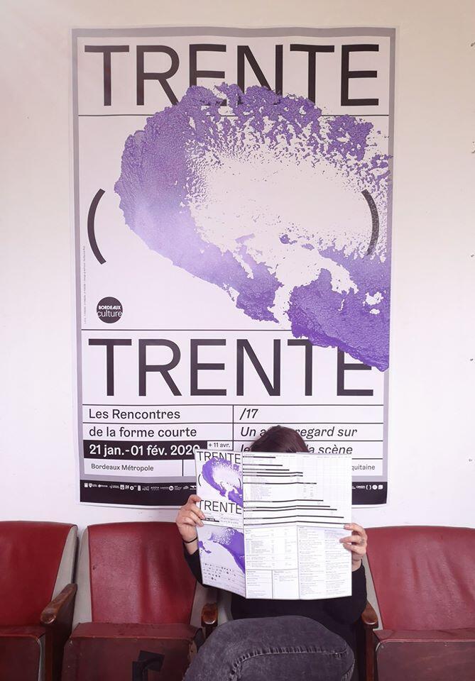 Cartaz do Festival Trente Trente no Atelier des Marches em Bordéus.