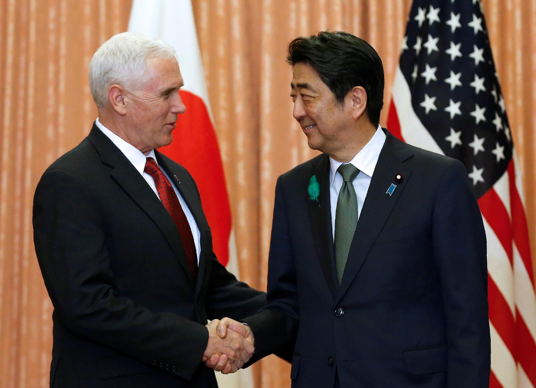 شینزو آبه، نخست وزیر ژاپن و مایک پنس، معاون ریاست جمهوری آمریکا