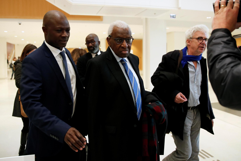 Lamine Diack à son arrivée au tribunal de Paris. Le 13 janvier 2020.