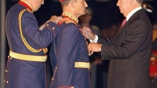 Mars 2002, le président chilien Ricardo Lagos fait de Juan Emilio Cheyre le chef des armées.