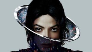 Capa do novo álbum de Michael Jackson, Xscape.