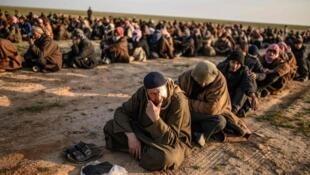 آمریکا و فرانسه برای بازگرداندن و محاکمه شهروندان داعشی اختلاف نظر دارند