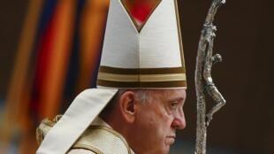 Papa Francis wakati wa Siku ya Maombi ya Kulinda viumbe katika Kanisa la Mtakatifu Petro Vatican, Septemba 1, 2015.
