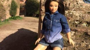 La poupée Lammilly aux formes réalistes est attendu pour bientôt sur le marché américain.