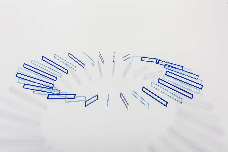 'Plano flexionante circular bleu', Elías Crespín.