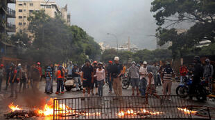 Violência em protestos deixa 38 mortos e causa indignação na Venezuela