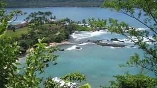Aspecto parcial duma paisagem de São Tomé e Príncipe