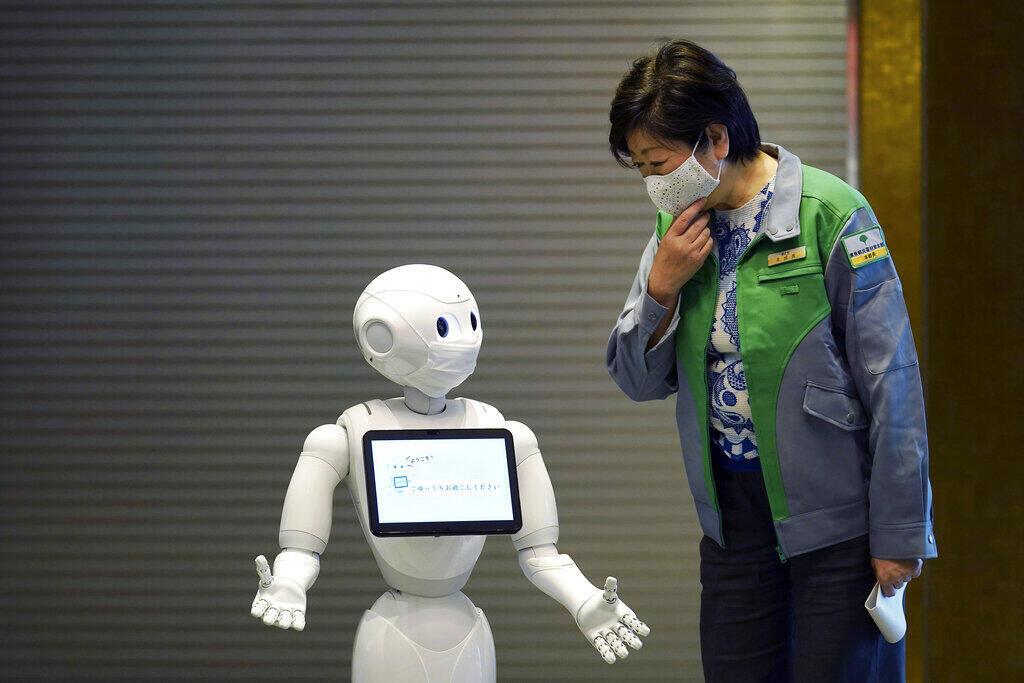 Empresários como Bill Gates defendem a cobrança de impostos sobre robôs humanoide